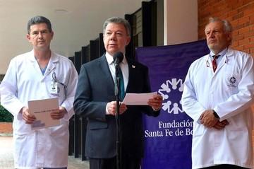 Presidente Santos confirma que viaja mañana a EEUU por exámenes médicos