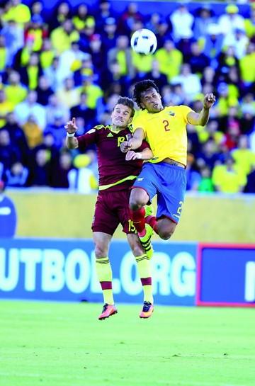 Ecuador recupera la memoria y se acerca al Mundial