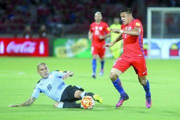 La Roja reacciona a tiempo gracias a doblete de Alexis