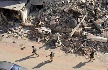 Al menos 25 muertos por ataques aéreos y de artillería en el este de Alepo