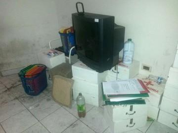 Sucre: Encuentran muebles en mal estado al interior de los ambientes de la FUL