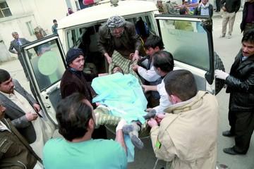 Ataque suicida desata masacre en Kabul