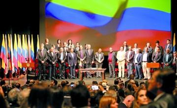 El Gobierno y las FARC firman nuevo acuerdo