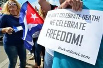 Cubanos exiliados llaman a movilización en Miami tras muerte de Fidel Castro