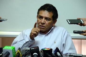 Juez determina detención domiciliaria para Rolando López