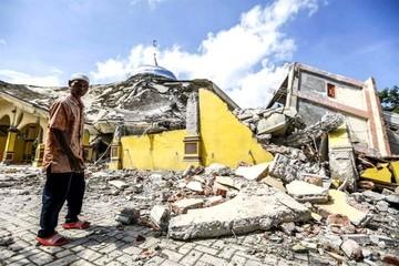 Al menos 94 muertos tras un terremoto de magnitud 6,5 en Indonesia