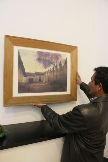 Exponen pinturas de tres artistas contemporáneos