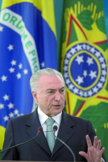 Nuevas denuncias salpican a la cúpula política de Brasil