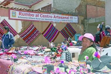 Artesanos celebran su día y sueñan con un mercado