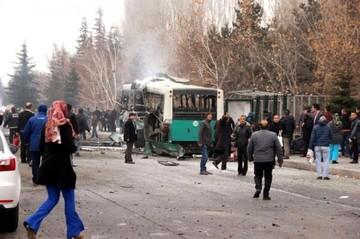 Aumenta a 14 el número de soldados muertos por el atentado suicida en Turquía