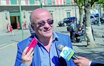Moldiz defiende al autor de polémico documental