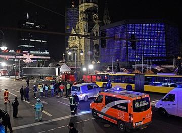 Un camión arrolla y mata a 12 personas en centro de Berlín
