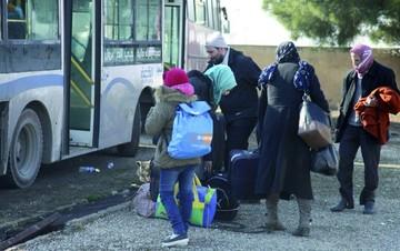 Continúan las evacuaciones en Alepo