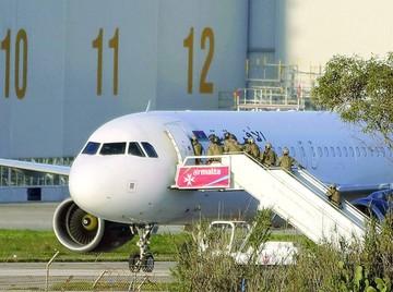 Fracasa secuestro de avión desviado a capital de Malta