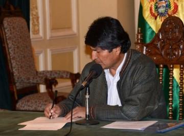 Evo decreta indulto para los detenidos preventivos