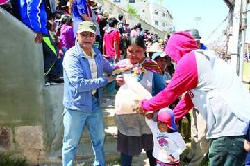 Pobreza motiva cruzadas de solidaridad en Navidad
