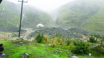 Riada inunda viviendas en la mina Caracoles