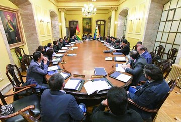 Evo Morales avisa que este año habrá cambios en su gabinete