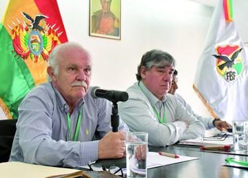 FBF acepta renuncia de López y asume Peredo