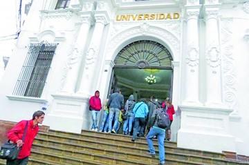 """Administrativos y FUD suspenden paro en la """"U"""""""