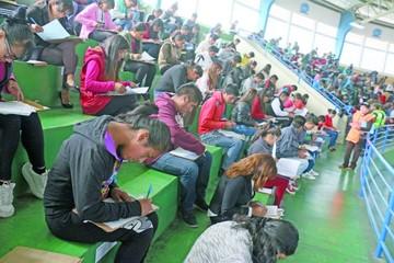 164 postulantes rindieron el examen para maestros