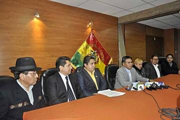 Suman denuncias contra tribunos en el Legislativo
