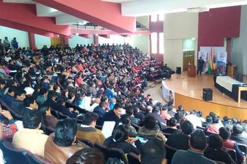 Directores de unidades educativas de Chuquisaca participan de taller de planificación