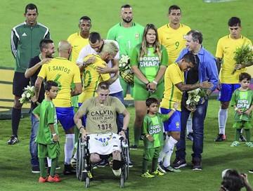 Brasil triunfa en amistoso por el Chapecoense