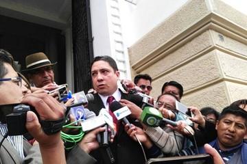 Ministro Arce visita entidades del órgano judicial marcando dos prioridades