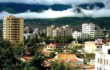 """Gobierno analiza """"bombardeo"""" a nubes para generar lluvia en Cochabamba"""
