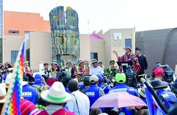 Gobierno abre y defiende museo; críticas no cesan