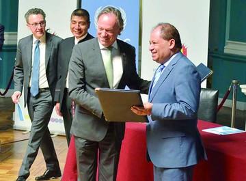 Bolivia y UNODC pactan en plan contra las drogas