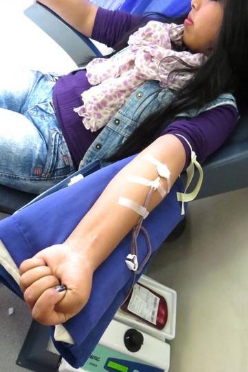 De 600 donantes de sangre, descartan 100
