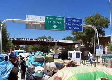 Argentina defiende refuerzo de controles migratorios frente a quejas de Bolivia