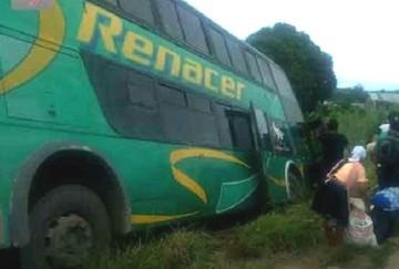 Embarrancamiento de un bus deja cinco muertos y 38 heridos en Cochabamba