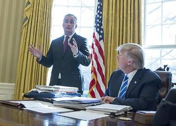 Trump insinúa que la  justicia está politizada