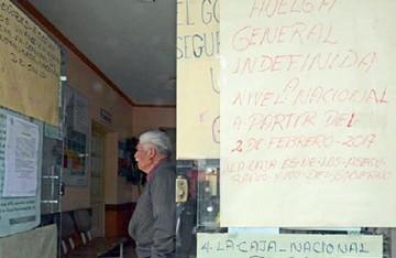 Trabajadores suspenden huelga y dan ultimátum