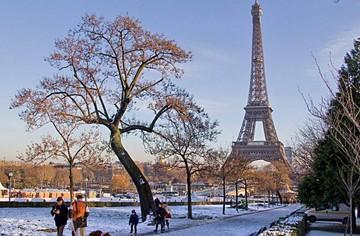 Muro de cristal blinda a la Torre Eiffel contra el terrorismo