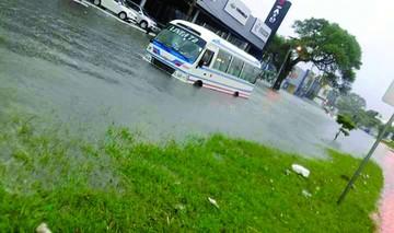 Lluvia en Santa Cruz deja destrozos y un fallecido