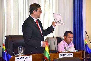 Ortiz: UPRE gastó más en canchas que en hospitales