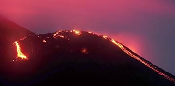 El Volcán Pacaya de Guatemala aumenta su actividad