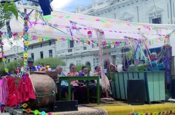 El Carnaval de Antaño derrocha alegría, crece y recupera tradición