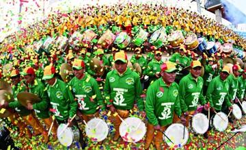 5.000 músicos se lucen en el Festival de Bandas