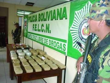 Santa Cruz: Hay detenidos por  llevar drogas
