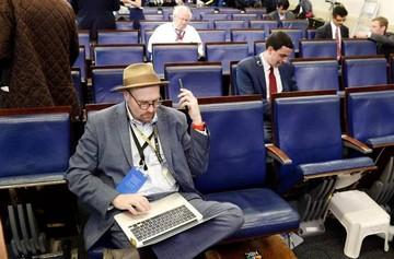 Polémica por el veto a CNN, NY Times y Politico en sesión en la Casa Blanca
