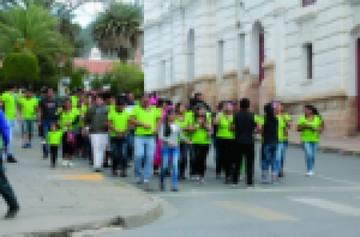 Carnaval moviliza a la Capital en largo feriado