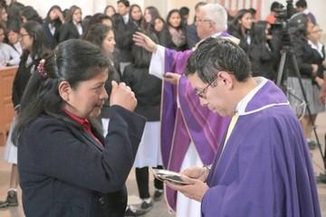 Iglesia inicia Cuaresma con rechazo a excesos