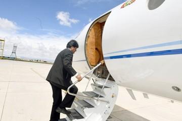 Afección en la garganta lleva a Evo hasta Cuba