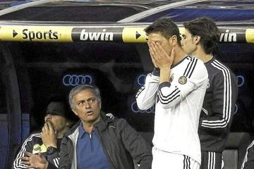 Özil cuenta que estuvo cerca de golpear a Mourinho cuando jugaba en el Madrid