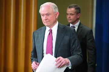 EEUU: Fiscal General es vinculado a Rusia  y se aparta de caso